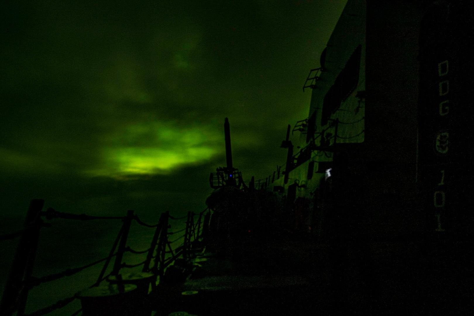 aurora borealis taken aboard USS Gridley (DDG 101)