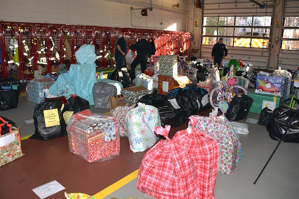 Giving back goes beyond brightly colored bows and wrapping paper at DSCR