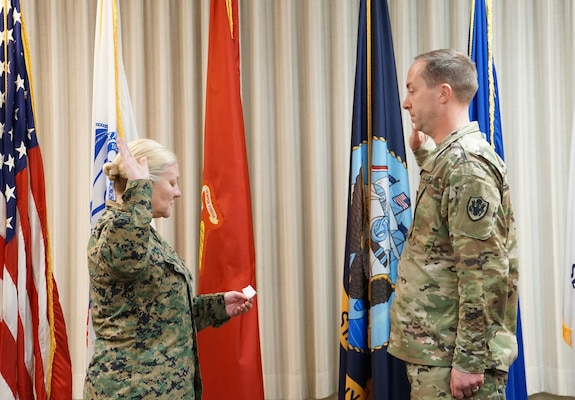 DLA Distribution San Joaquin's Thimsen promoted to lieutenant colonel