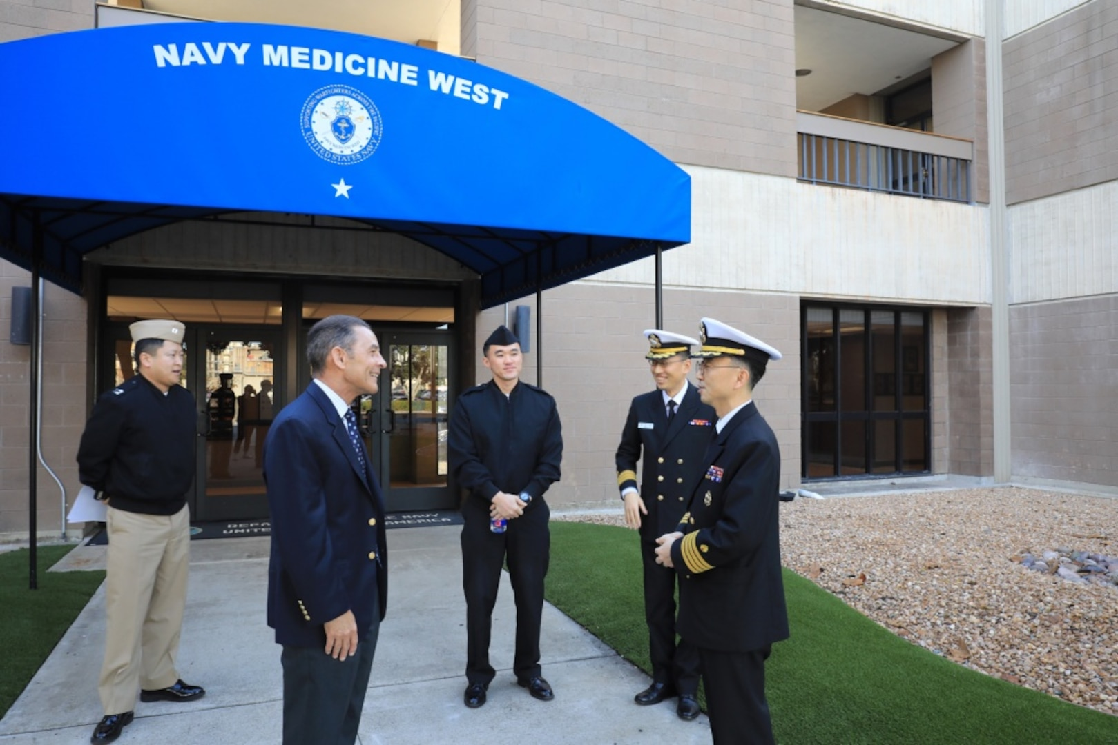 Republic of Korea Navy Surgeon General Visits Navy Medicine West