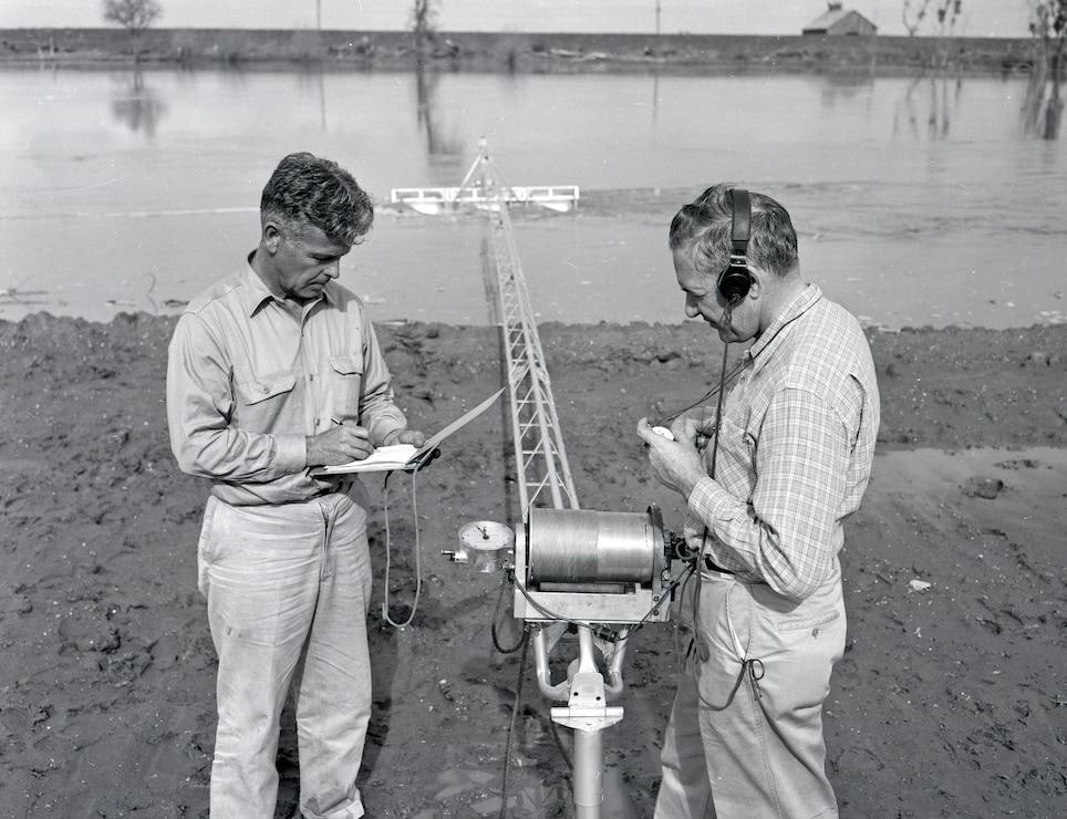 Sacramento River Readings 1958