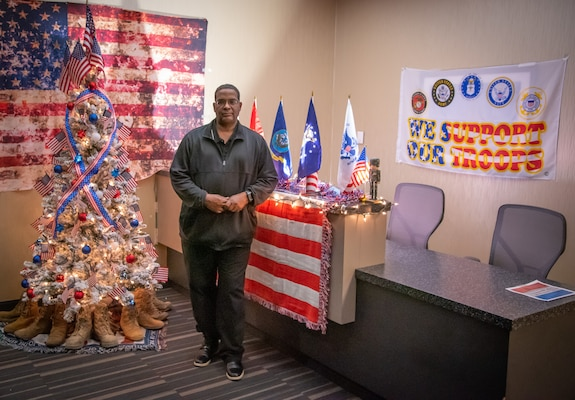 Former Marine remembers, pays tribute to those far from home during the holidays