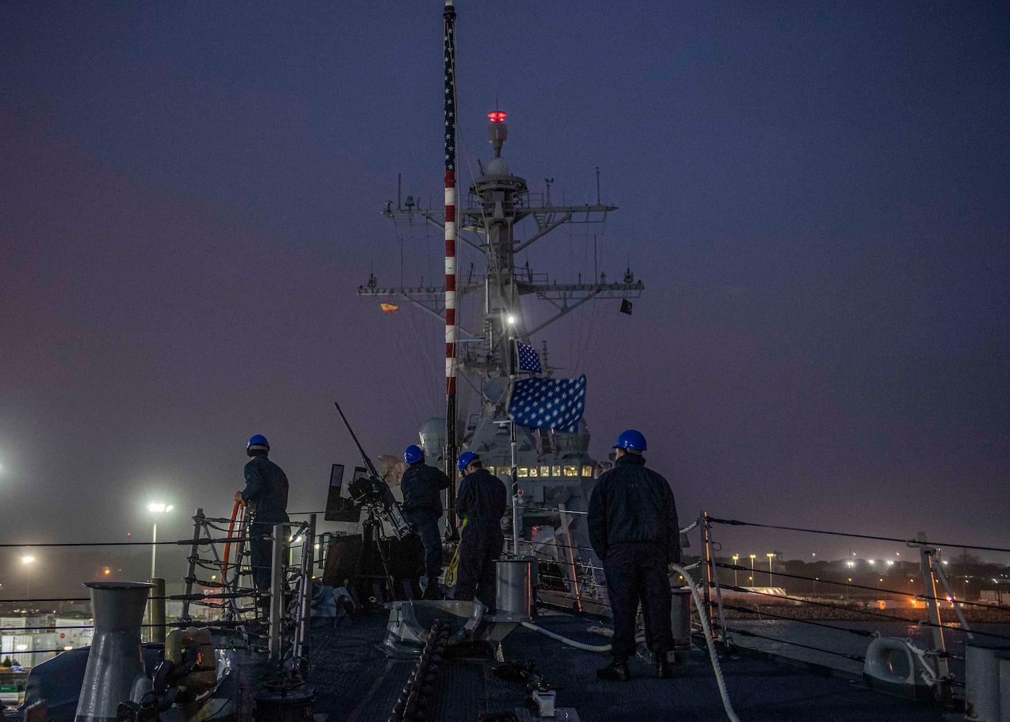 Rota, Spain; USS Carney (DDG 64)