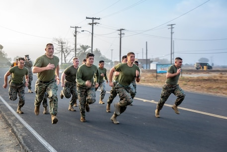 U.S. Marines with the 13th Marine Expeditionary Unit Command Element begin their movement to contact portion of the Combat Fitness Test at Marine Corps Base Camp Pendleton, Calif., Nov. 15, 2019.