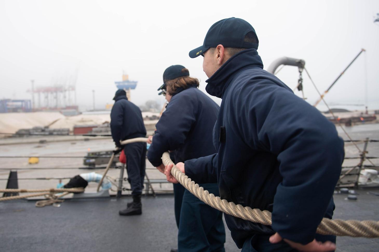 USS Ross (DDG 71); Ukraine; Odessa, Ukraine