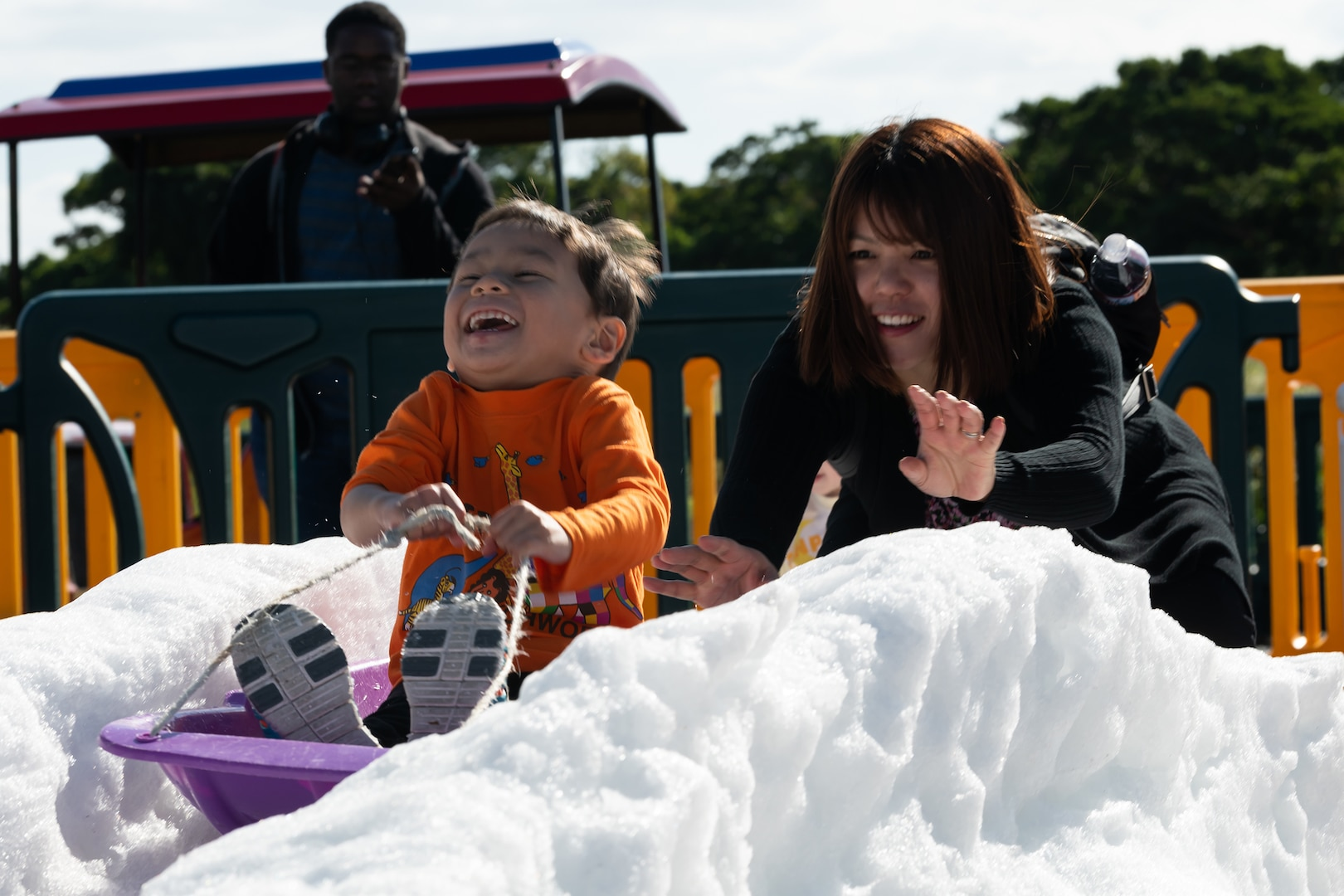 Tinsel Town Delivers Snow, Festivities to Okinawa