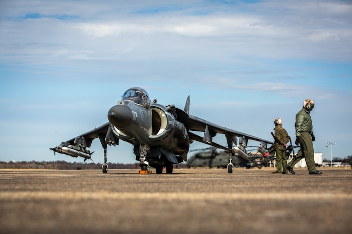 U.S. Marines prepare a U.S. Marine Corps AV-8B Harrier for flight during exercise Bayou Thunder at Naval Air Station Joint Air Base New Orleans, Louisiana, Jan. 30, 2019.