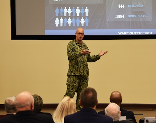 Distribution commanding officer welcomes CYALDG during annual meeting