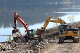 """The US Army Corps of Engineers and contractor working to restore the Center Hill Recreation Area or """"Ike"""" Park Nov. 21, 2018. Crews are currently moving dirt to clear and grade the land for a two lane boat ramp.  (USACE photo by Ashley Webster)"""