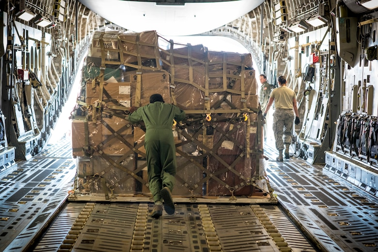 Loadmaster pushes final palet after 33-year career
