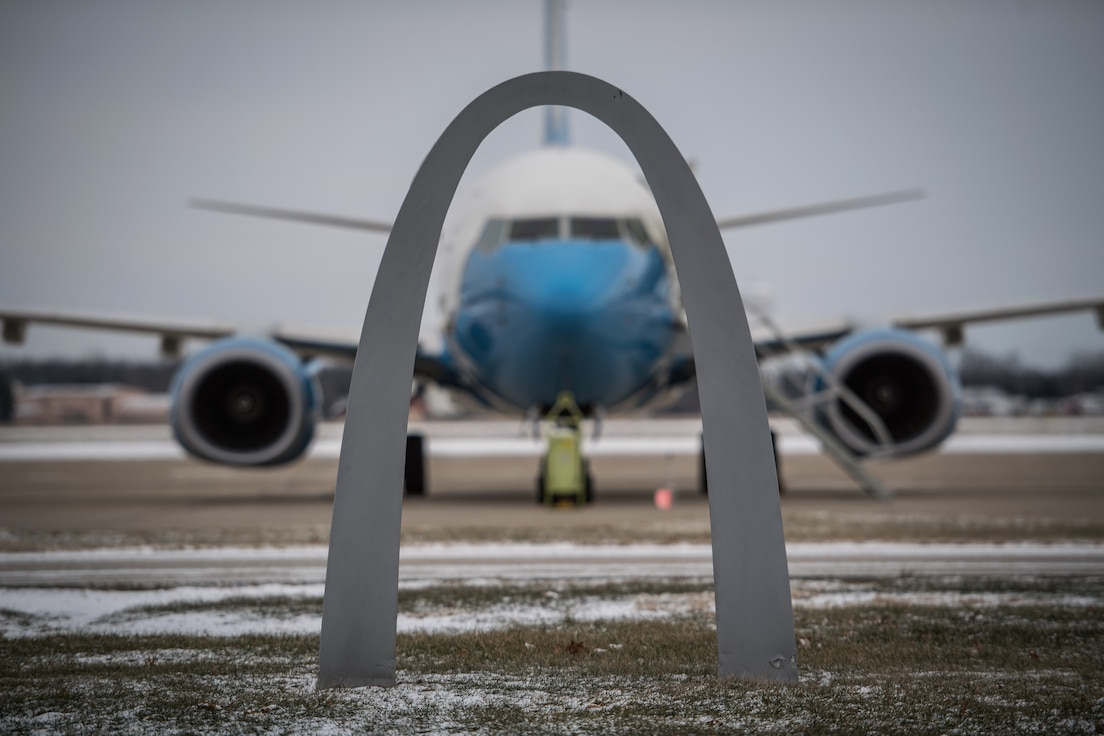 A 932nd Airlift Wing C-40 waits for a flight crew after preparations for a training flight during the polar vortex, Jan 31, 2019, Scott Air Force Base, Illinois.  With close proximity to St. Louis and the famous Arch, the Wing is known as the Gateway Wing flying the executive airlift mission in support worldwide operations. (U.S. Air Force photo by Christopher Parr)