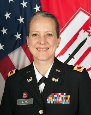 Chief of Staff, 416th Theater Engineer Command