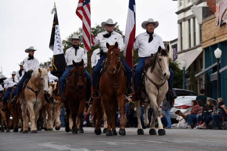 The Midland County Sheriff Mounted Horse Patrol strutted their stuff during the 87th annual San Angelo Stock Show and Rodeo Parade through downtown San Angelo Feb. 2, 2019. The drill team took 2nd place for the out-of-town category of drill for the rodeo parade. (U.S. Air Force photo by Senior Airman Seraiah Hines/Released)