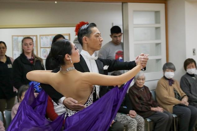 MCAS Iwakuni service members visit nursing homes
