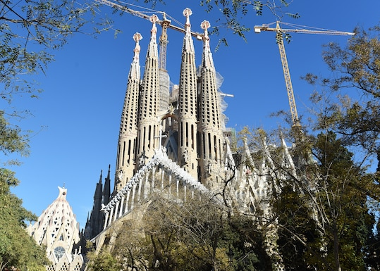 La Sagrada Família undergoes construction work in Barcelona, Spain, Dec. 31, 2018. This Roman Catholic church was originally designed by Antoni Gaudi and has been under construction since 1882. (U.S. Air Force photo by Airman 1st Class Madeline Herzog)