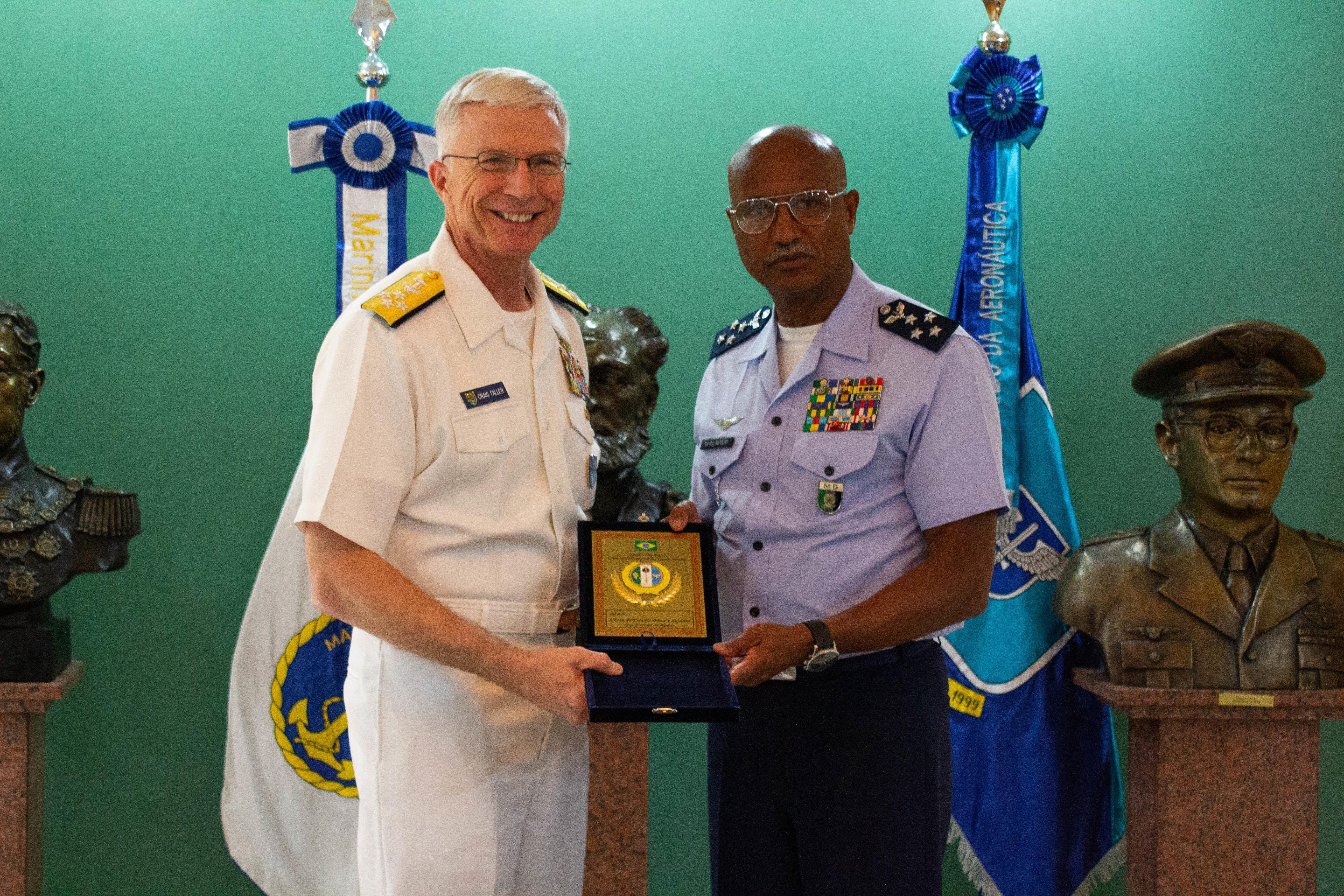 SOUTHCOM Commander Visits Brazil and Curaçao, Discusses Regional