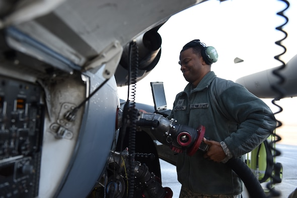 U.S. Air Force Tech Sgt. Gary Upchurch, 39th Logistics Readiness Squadron aerospace maintenance craftsman, attaches a fuel nozzle to an aircraft at Incirlik Air Base, Turkey, Feb. 1, 2019.