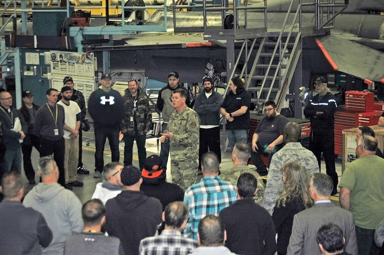 """Lt. Gen. Gene Kirkland, Air Force Sustainment Center commander, talks with employees in the 573rd Aircraft Maintenance Group Feb. 4, 2019, at Hill Air Force Base, Utah. The general and other AFSC leadership visited Hill AFB Feb. 3-8 as part of a """"move the flag"""" visit that immersed them in the local mission, and allowed them to interact with the workforce and personally communicate AFSC goals."""