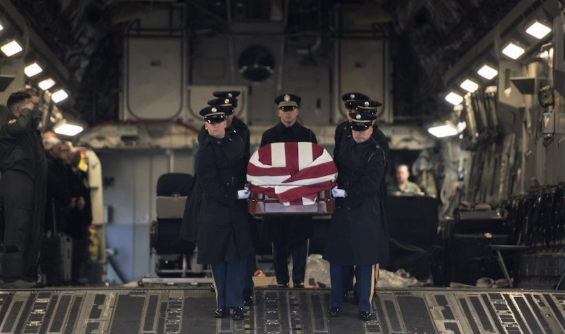 Reservist overcome winter weather to give late Congressman final flight