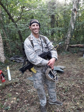 Oregon Air National Guardsman plays Soldier in the United Kingdom