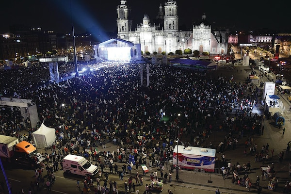 Celebration of Andrés Manuel López Obrador in Mexico City after being declared winner in Mexico's federal election of July 1, 2018. (Wikimedia/Salvador alc)
