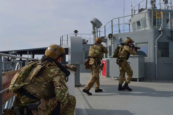 U.S., British Navies Conduct Maritime Security Drills