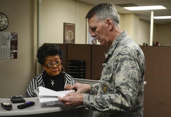A U.S. Air Force Col. get assitance at TMO.