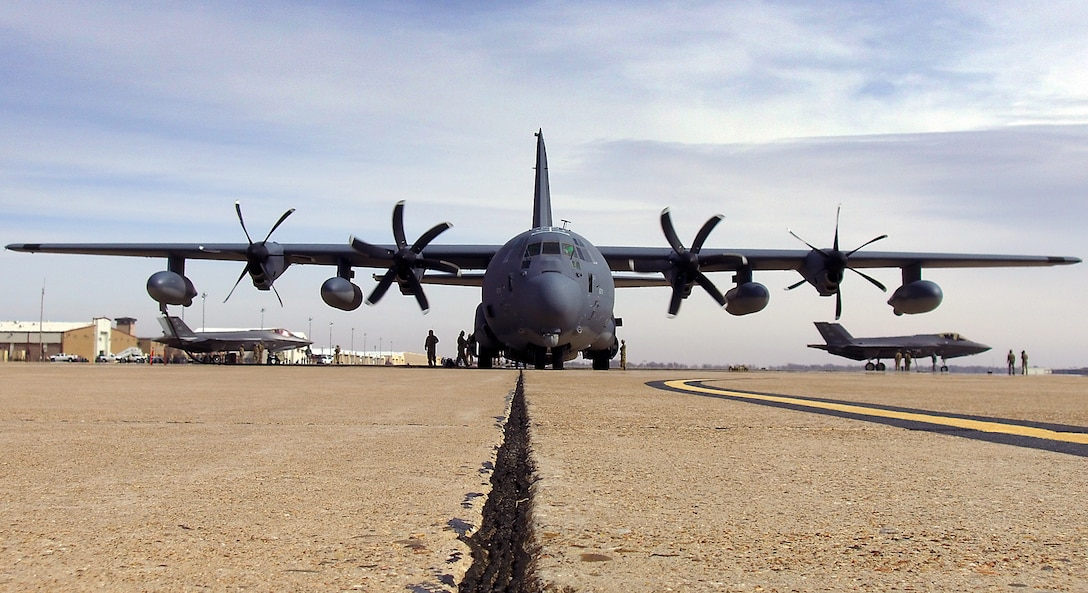 An MC-130J from the 9th Special Operations Squadron refuels two F-35A Lightning IIs from the 388th Fighter Wing at Cannon Air Force Base, N.M., during a Forward Air Refueling Point training exercise Feb. 27. This is the first time refueling operations between an MC-130J and an F-35 have been practiced. (U.S. Air Force photo by Micah Garbarino)