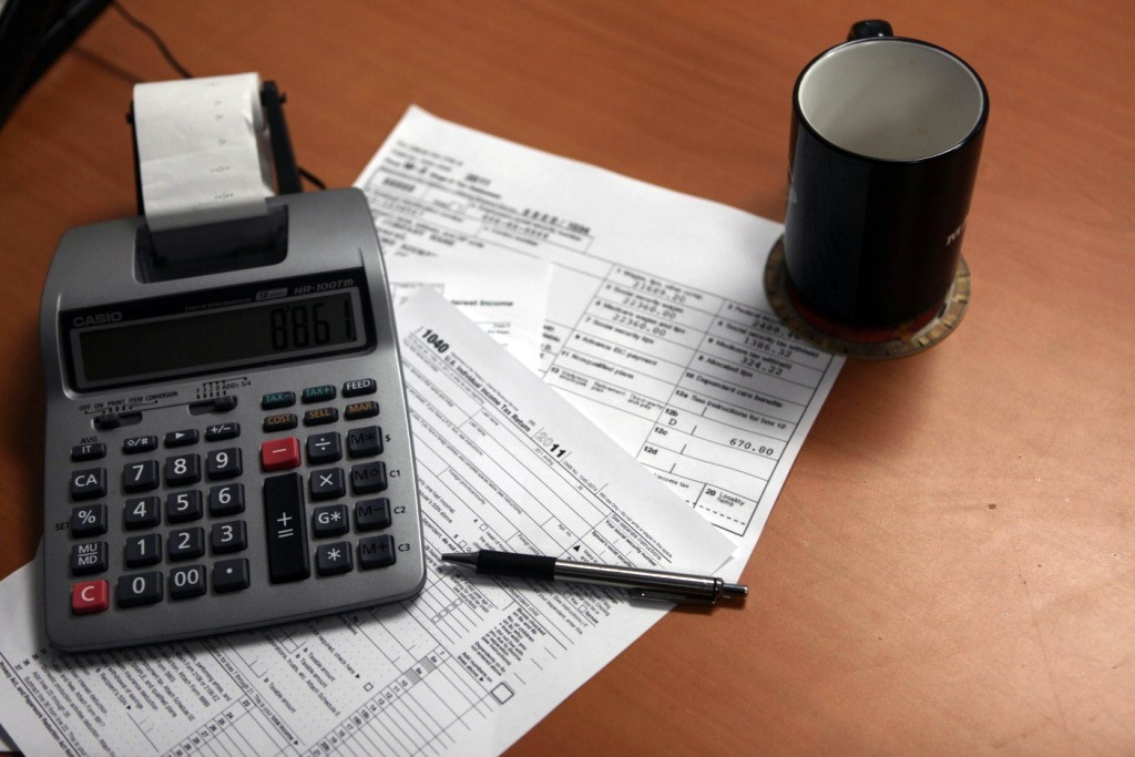 Tax Attorney Ar Features