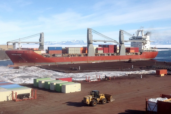 Military Sealift Command Team Gets Operation Deep Freeze Cargo Underway
