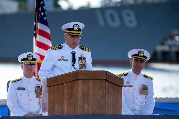 Submarine Squadron 1 welcomes new commander