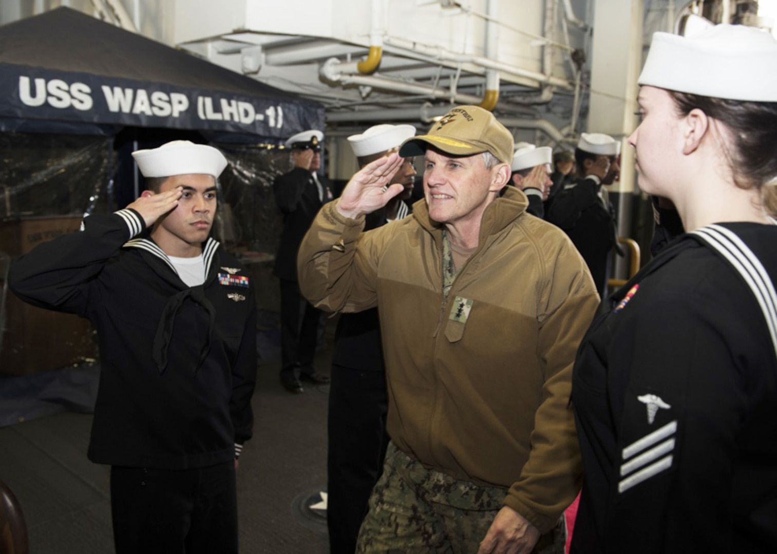 Commander, U.S. 7th Fleet, Visits FDNF Ships in Sasebo