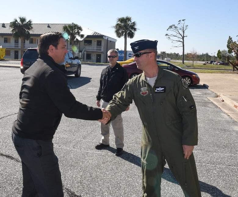 U.S. Air Force and Florida government officials meet