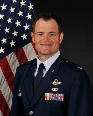 Col. Rowe's official photo