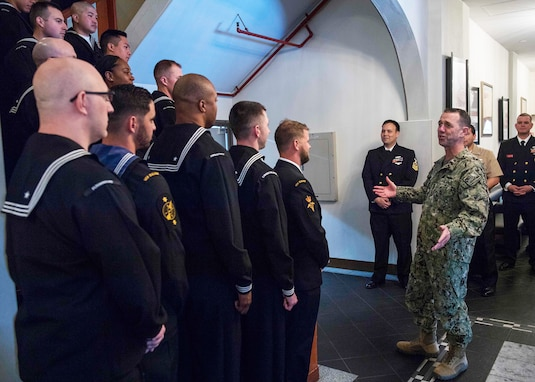 CNO Visits 7th Fleet Waterfront