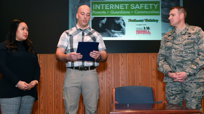Internet safety focus of Hanscom workshop