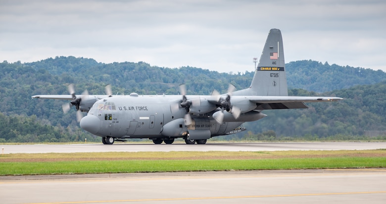 A C-130 H3 Hercules from the 130th Airlift Wing demostrates short-field stopping capabilities during the Yeager Airport 2018 Salute To Our Veterans and First Responders Air Show held in Charleston, West Virginia Oct. 13, 2018.