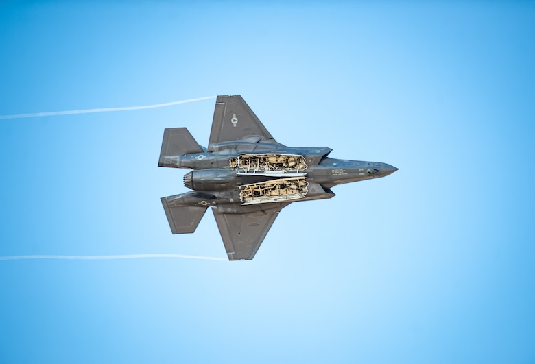 F-35 Lightning II • Demo Pilot • Explains : Weapons Bay Door Pass