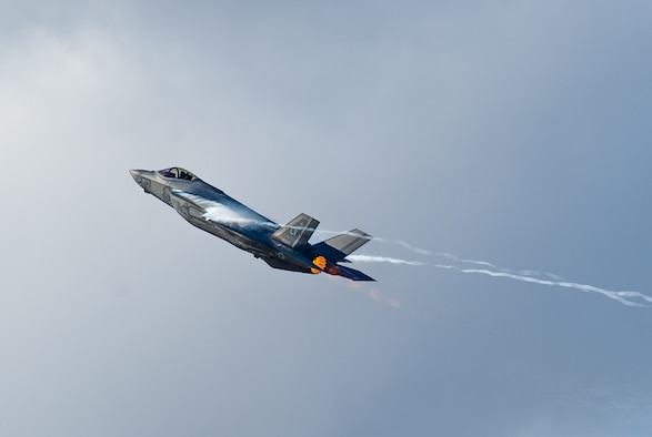 "Capt. Andrew ""Dojo"" Olson, F-35 Demonstration Team pilot and commander performs a high-speed vertical climb during an F-35 Demo practice at Luke Air Force, Base. Ariz., Jan. 16, 2019. The new aerobatic demonstration consists of 14 maneuvers which will showcase the F-35A Lightning II's raw power and precision. (U.S. Air Force photo by Senior Airman Alexander Cook)"