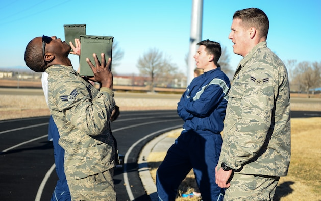Airman lifts ammunition can