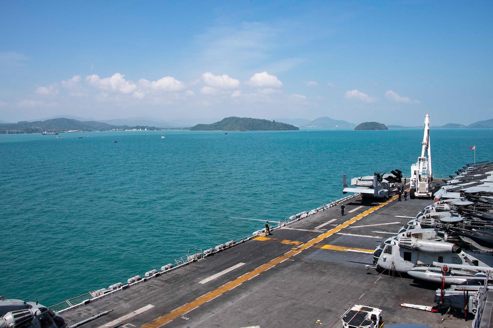 Essex Arrives in Phuket