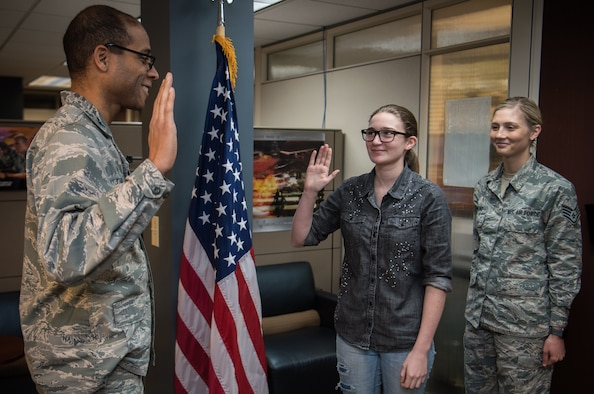 Newest citizen Airman for the Gateway Wing, the 932nd Airlift Wing, Scott Air Force Base, Illinois