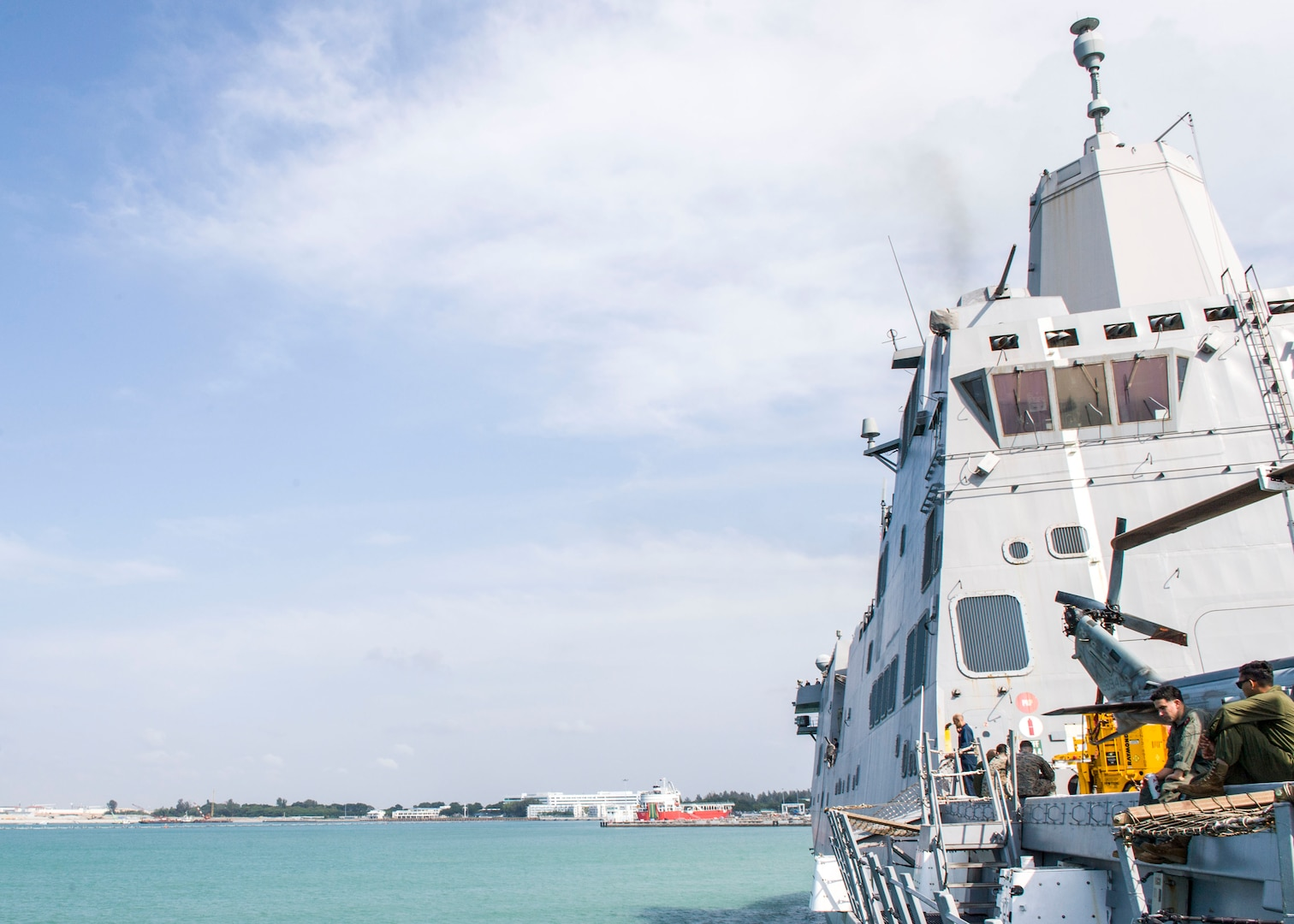 USS Anchorage Visits Singapore during Regional Operations