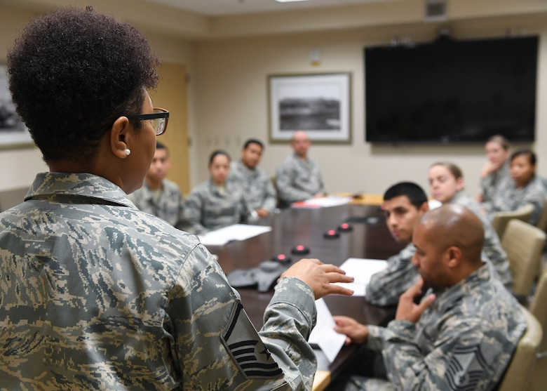 U.S. Air Force Master Sgt. Teronda L. Hunter, 633rd Dental Squadron clinical flight chief, talks to Medical Right Start Program working group members at Joint Base Langley-Eustis, Virginia, Jan. 23, 2019.