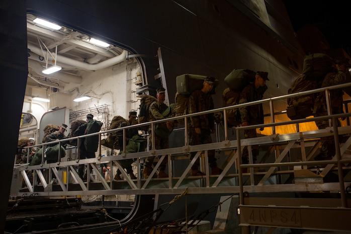 U.S. Marines with Special Purpose Marine Air-Ground Task Force (SPMAGTF) Peru, arrive in San Diego after spending weeks deployed to Peru and Chile, Dec. 21, 2018.