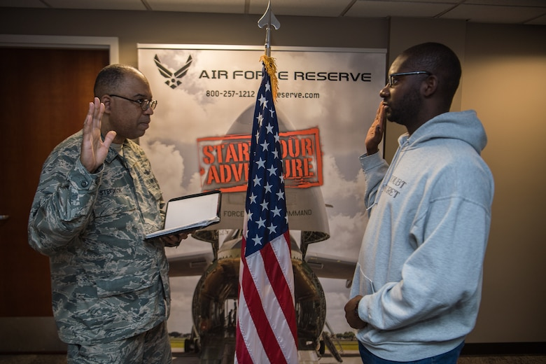 Welcome to the Air Force Reserve and the 954th Reserve Support Squadron at Scott Air Force Base.