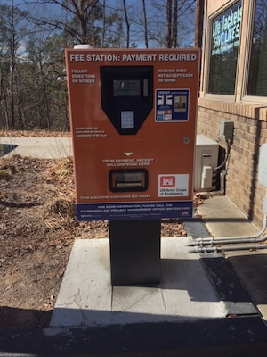 "The Corps of Engineers, Savannah District, recently introduced a new, automated payment station at the entrance to Clarks Hill Park in McCormick County, South Carolina, at the J. Strom Thurmond Lake. The ""plastic-only"" station can issue a ticket good for the day at any of the boat ramps or day-use areas at the popular reservoir near Augusta, Georgia. The payment station eliminates the need to carry exact cash to place in an ""honor vault"" at the ramps and is open 24-7 for early boaters. (U.S. Army Corps of Engineers photo)"