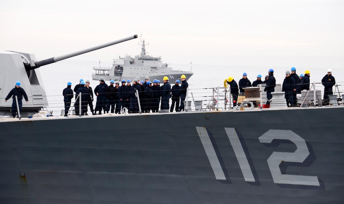 USS Michael Murphy (DDG 112) departs Valparaiso, Chile.