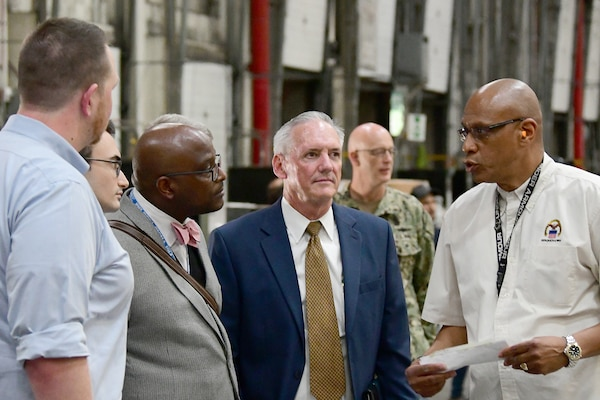 House Oversight and Reform Committee Staffers visit DLA Distribution