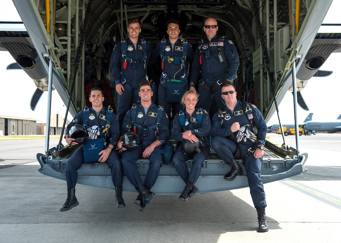 U.S. Air Force Academy Wings of Blue pose for a photo before jumping from 4,500 feet for the opening ceremony during the 2019 Skyfest Open House and Airshow at Fairchild Air Force Base, Washington, June 22, 2019. Skyfest 2019 offered a unique view of Team Fairchild's role in enabling Rapid Global Mobility for the U.S. Air Force. The show featured more than 13 aerial acts and 16 static display aircraft, as well as other attractions and displays.  (U.S. Air Force photo by Airman 1st Class Whitney Laine)